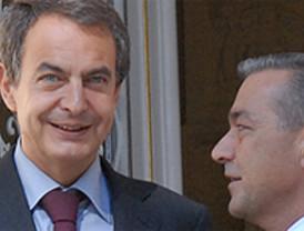 Zapatero cede ante Rivero en el espinoso tema de las aguas de Canarias