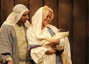 Pamela Anderson interpretará a la Virgen María para la televisión