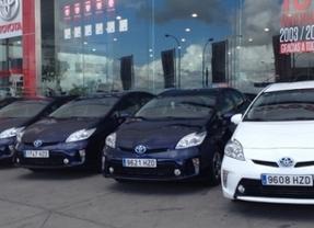 Toyota entrega una flota de 13 Prius a la Comunidad de Madrid