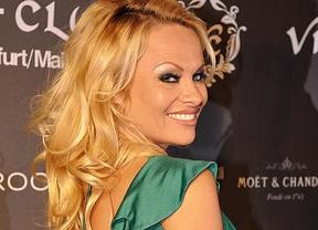 Hasta Pamela Anderson habla de las cacerías del Rey