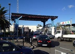 El Gobierno de Gibraltar recogerá las quejas por las colas en la frontera