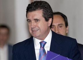 Matas, todo un ex presidente autonómico, recibido el juzgado al grito de
