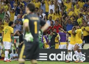 Brasil torea a una Roja sin fuerza ni bravura y la liquida con tres estocadas, tres (3-0)