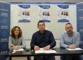 ANPE inicia una campaña para que los padres matriculen a sus hijos en la educación pública
