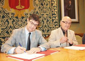 Miguel Romero toma posesión de su cargo como cronista oficial de Cuenca