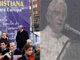 Golpe de efecto de la Iglesia, que reúne en Madrid casi un millón de personas sin atacar al Gobierno