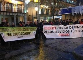 Cientos de personas se concentran para expresar su rechazo a la reforma local, según CCOO