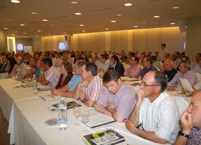 Empresas Agroalimentarias en una asamblea en 2012