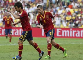Las lesiones de Cesc y Soldado impulsan a la titularidad ante Italia a Silva y Torres