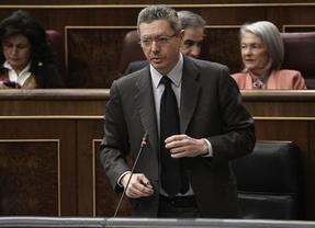 Primera sesión de control sin Gallardón: el Gobierno aplaza las preguntas y la interpelación que el ministro iba contestar