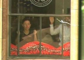 Pánico terrorista en Australia en el secuestro de una cafetería en Sídney con 40 rehenes por un posible islamista
