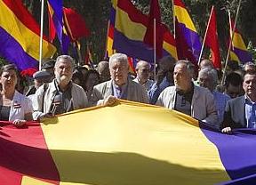 IU prepara un informe 'práctico' sobre la III República
