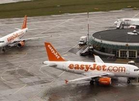 Nuevo revés para las 'low cost': aterrizan de emergencia por una ventanilla rota