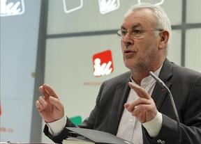 Cayo Lara insiste en la consulta legalizada y en un debate sobre Cataluña