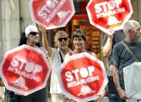 El Gobierno no descarta revisar el decreto de desahucios ante el drama de los suicidios