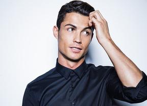 Cristiano, de los calzoncillos a las camisas de lujo: el futbolista amplía la moda con su nombre