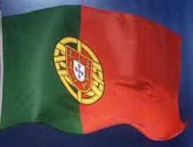 Fitch rebaja calificación de Portugal por crisis