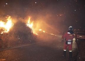 Vuelven a cortar la carretera TO-1560 por el incendio de Almorox