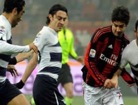 Nápoles perdió 2-0 ante el Chievo y se aleja del Milán