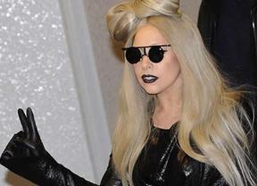 Lady Gaga no está para trotes: retrasa varios conciertos por una sinovitis