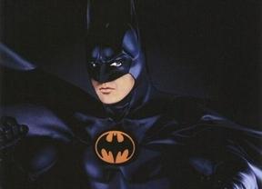 Batman busca inversionistas en una reunión de analistas:
