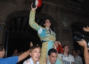 Los debutantes de la Escuela de Tauromaquia de Valencia se estrenan triunfando
