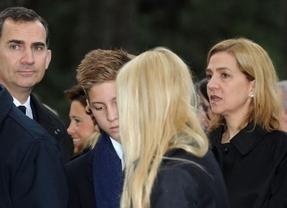 PP y PSOE difieren sobre si la infanta Cristina debe salir ya de la línea sucesoria, justo antes del primer discurso de Navidad de Felipe VI