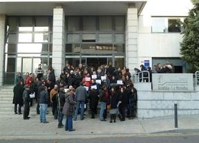 Tres sindicatos elevarán un escrito a las Cortes regionales contra los presupuestos 2013