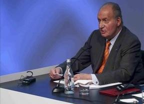 El Rey reaparece en Portugal para reclamar la reindustrialización del sur de Europa, visiblemente recuperado y sin decir una palabra de la infanta