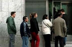 Entra en vigor la prórroga de las ayudas de 450 euros a parados sin prestación