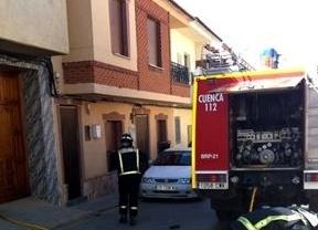 Un niño sufre quemaduras en manos y piernas tras arder una vivienda