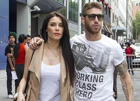 Pilar Rubio y Sergio Ramos se pelean con los 'paparazzi' para acabar las vacaciones