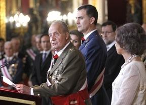 El Rey consigue con pequeños 'trucos' leer un discurso sin problemas