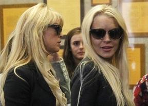 Lindsay Lohan y su madre montan una pelea por drogas y dinero en plena calle