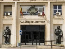 Fiscal pide penas que suman 10 años de cárcel para 3 jóvenes acusados de implantar una banda de 'Latin Kings'