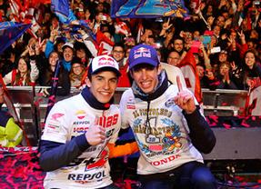 Cervera se rinde a sus campeones Marc y Àlex Márquez