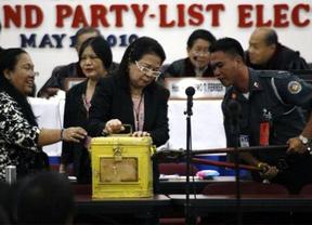 Un informe de nuestro embajador en Manila pone en duda el sistema electoral filipino