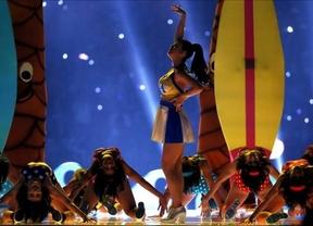 Katy Perry enciendió a América con su show de la Super Bowl, lleno de colorido y fuegos