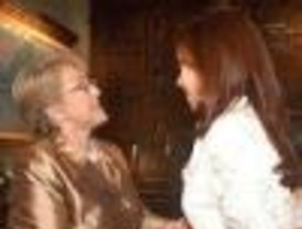 Cristina, ya como presidenta, se reunió con Bachelet y con Fillón