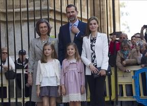 La familia real, 'casi al completo', asiste a la misa de Pascua en Palma