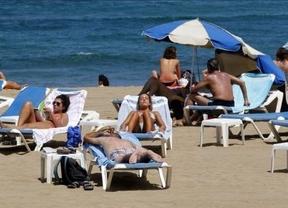La playa se impone claramente desde abril