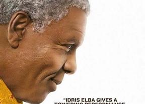 'Mandela, del mito al hombre': Bien hecha pero sin la grandeza de su protagonista
