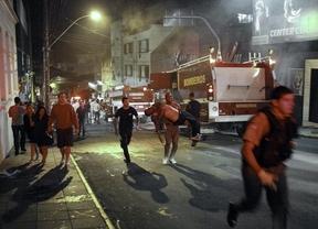 Trágico domingo en Brasil: mas de 200 personas mueren en el incendio de una discoteca en Santa María