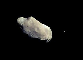 El asteroide 'granadino' pasará tan cerca de la Tierra que se podrá ver... ¡con prismáticos!