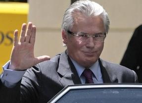 Otro banquillo ilustre: Garzón declara hoy ante el Supremo por las escuchas ilegales del 'caso Gürtel'