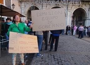 200 trabajadores del Ayuntamiento de Cuenca protestan por los