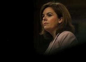 Comandante Soraya: la vicepresidenta lidera un Gobierno en horas bajas mientras la derecha acorrala a Rajoy