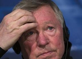 Ferguson se despide de los banquillos como 'Entrenador del Año en la Premier League'