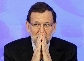 Rajoy se defiende y ataca: