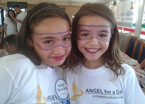 La iniciativa 'Angel for a Day' permite la escolarización de seis niños en riesgo de exclusión en la zona de Denia